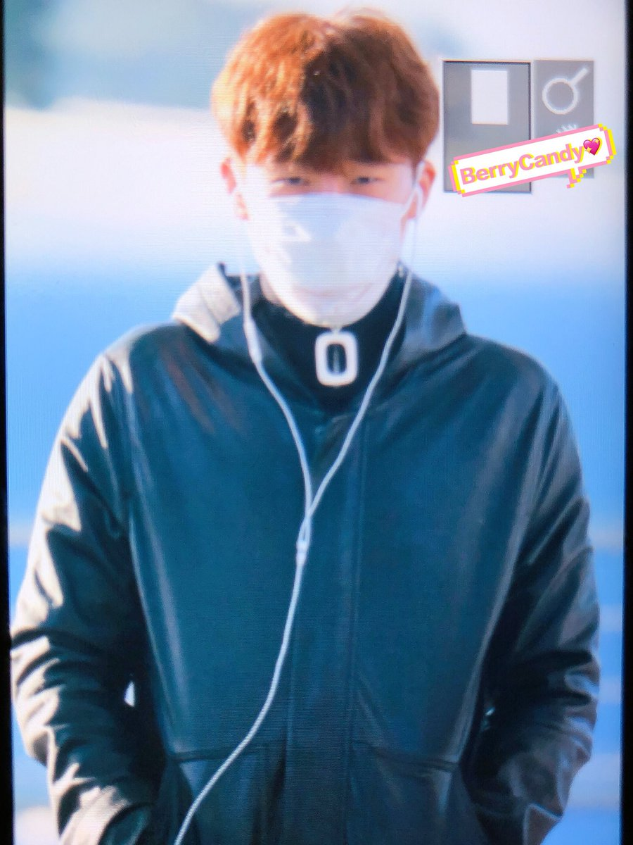 [PREVIEW] 171118 Incheon airport - #INFINITE Sunggyu (cr: BerryCandy0428, shineurlight428   ) <br>http://pic.twitter.com/OYwOSe8oPa