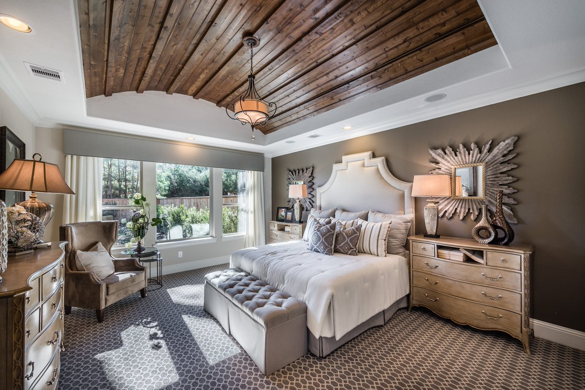 #Alluring #designs can be yours…  http:// bit.ly/2rnHapm  &nbsp;  . #luxurybedroom #beautifulhomes #realestateagent #Houston<br>http://pic.twitter.com/GeKC0EGzpV