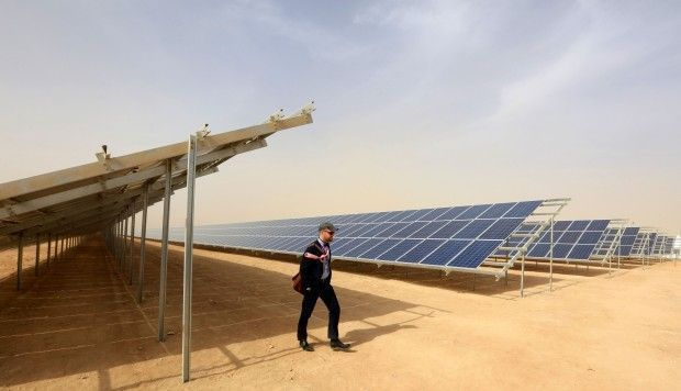 Wow! #Jordan opens massive #solar park for #refugee camp, delivering #cleanenergy for 80,000 #Syrians  https:// buff.ly/2zMNyuY  &nbsp;    #ActOnClimate #renewables #go100re<br>http://pic.twitter.com/IB6LpFmS7Y
