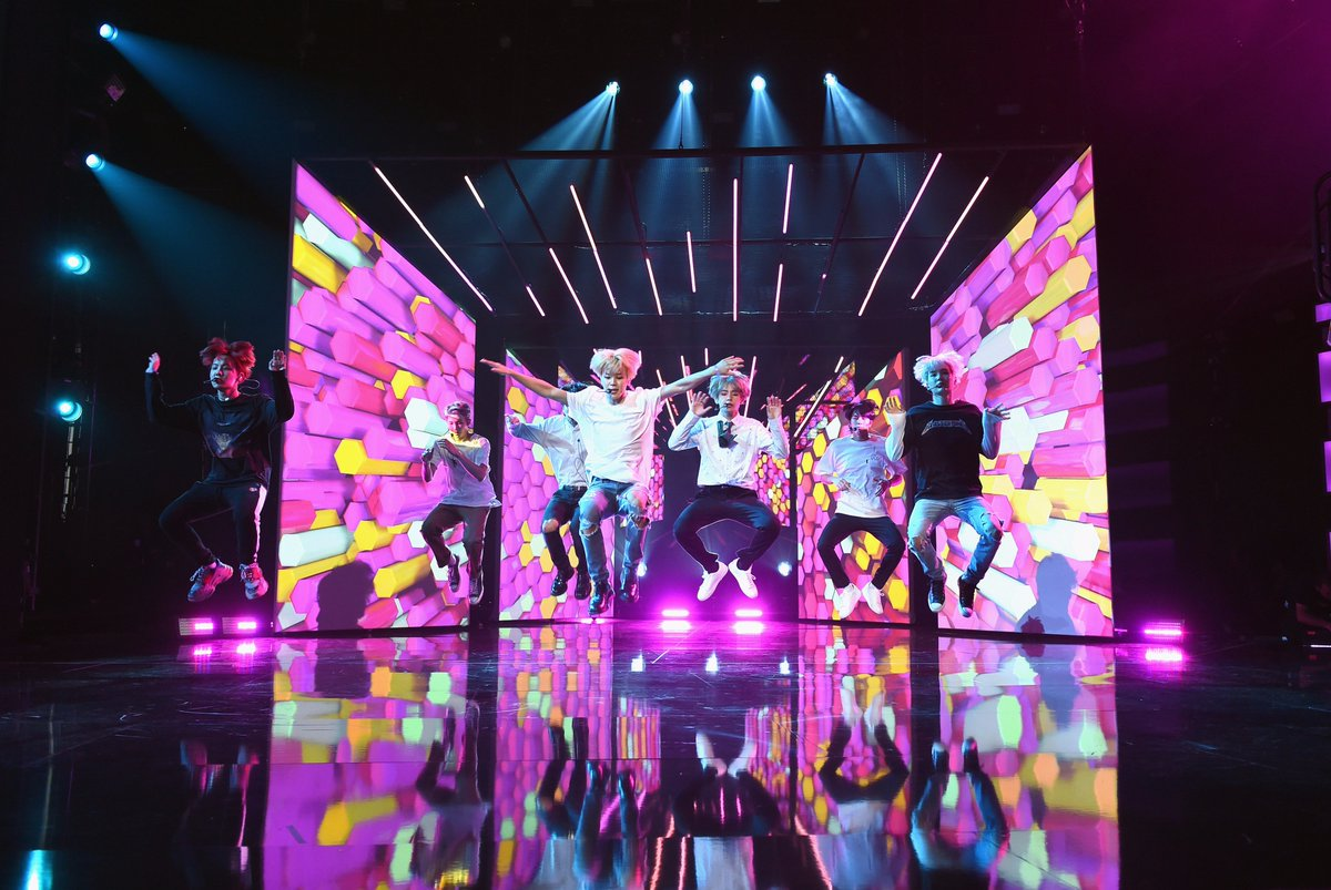 D N A   #BTSxAMAs rehearsals. ✅ Sunday at 8/7c on ABC.