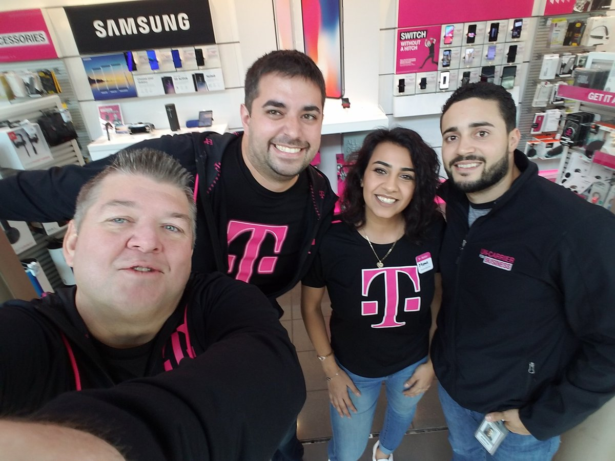 Hanging out with the @GreatLakesMall @TMobile team. Stop in for our BOGO #MagentaFriday offers! #Operatewithpurpose @ARod_013 #NCredible @Kenyadunn12 @JonFreier<br>http://pic.twitter.com/SovoLxcW25