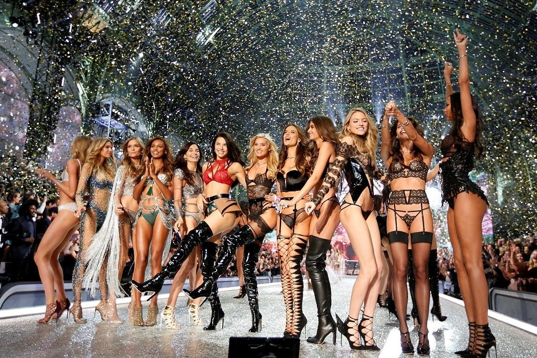 Victoria&#39;s Secret Fashion Show models and performers - Fox News  http:// dlvr.it/Q1WBpM  &nbsp;   #fashion #style <br>http://pic.twitter.com/KxyRyOgqTo