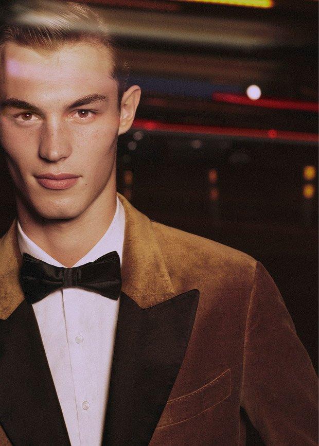 Supermodel Kit Butler for #Mango Eveningwear collection for @mmscene issue 019:  https://www. malemodelscene.net/menswear/mango -man-fw17-evening/ &nbsp; … <br>http://pic.twitter.com/akywT7h48C