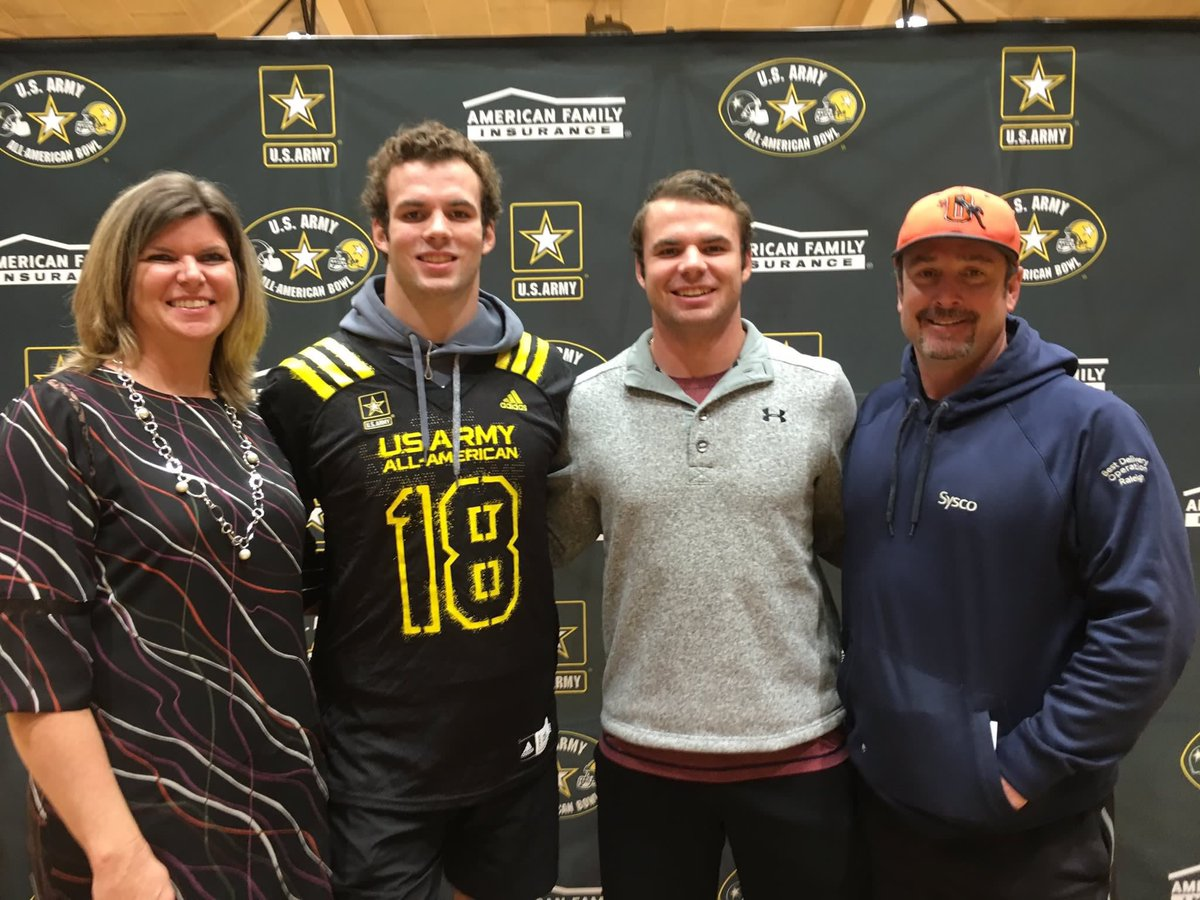 @payton_wilson21 @jordynadams10 congrats to these two future Tar Heels on their @ArmyAllAmerican selections! #GoHeels #FutureIsBright <br>http://pic.twitter.com/EWBkTD00AJ