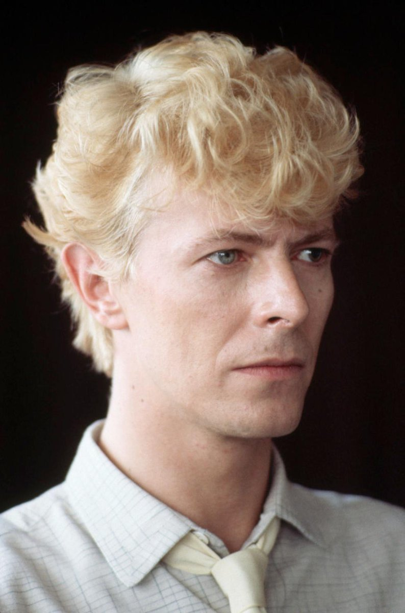 """I felt very puny as a human. I thought, 'Fuck that. I want to be a  superhuman."""" David Bowie #Legend #Icon #DavidBowie #Superhuman  #DavidBowieForever #Bowie ..."""