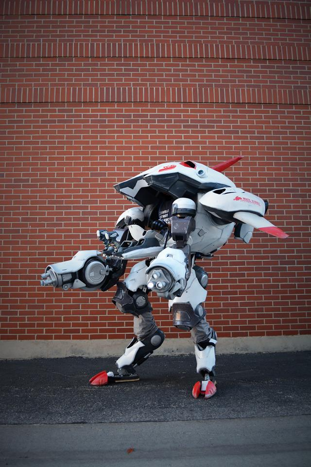 Fantastic D.Va Cosplay Is A Working Mech Suit  Gryphon's Gea