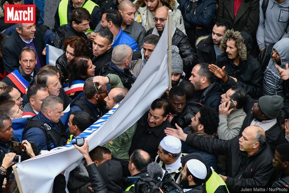 Clichy : le préfet des Hauts-de-Seine s'engage à mettre un terme aux prières de rue  https://t.co/cjowdevHDs