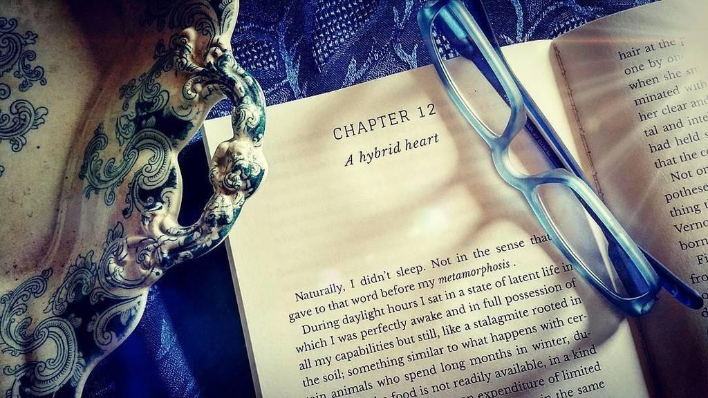 A Hybrid Heart PRELUDE - Lea Valti #words #authorsofinstagram #writer #inspiration #bookworm #booklover #booknerd #bookish #bibliophile #bookstagramfeature #bookshelf #bookstagram #livros #bookpassion #bookaddict #livre #vampirestory #gloomy #fantasy #li…  http:// ift.tt/2AWoLVD  &nbsp;  <br>http://pic.twitter.com/1L8lXAdcqa