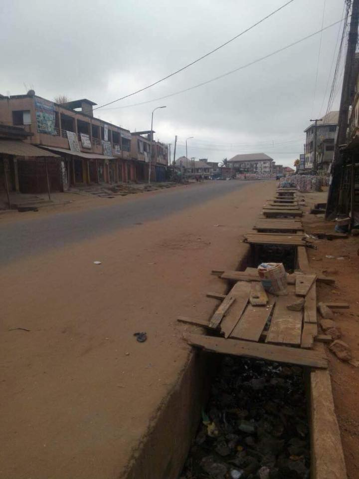#AnambraDecides2017 @UN @amnesty @BruceFeinEsq Thousands of Nigerian police and army guiding empty streets with no voters. #Biafrans are enjoying Ofe Nsala today having successfully boycotted the polls. <br>http://pic.twitter.com/5zeNMLDz6B