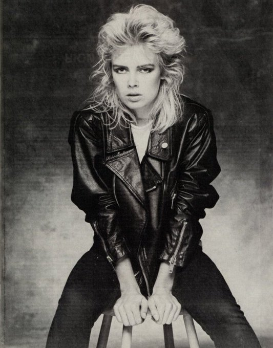 Happy 57th Birthday Kim Wilde. I had a crush on you back in the day
