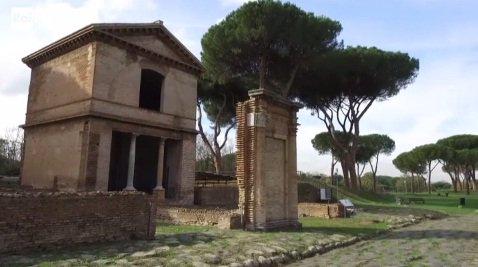 Tra l'Appia e la Tuscolana si affacciano nobili tombe del I secolo d.C. dove si può apprezzare la cura dei Romani per i propri defunti, in riti complessi che ci spiega lo storico dell'arte Costantino D'Orazio → https://t.co/PnWjqEDAtt