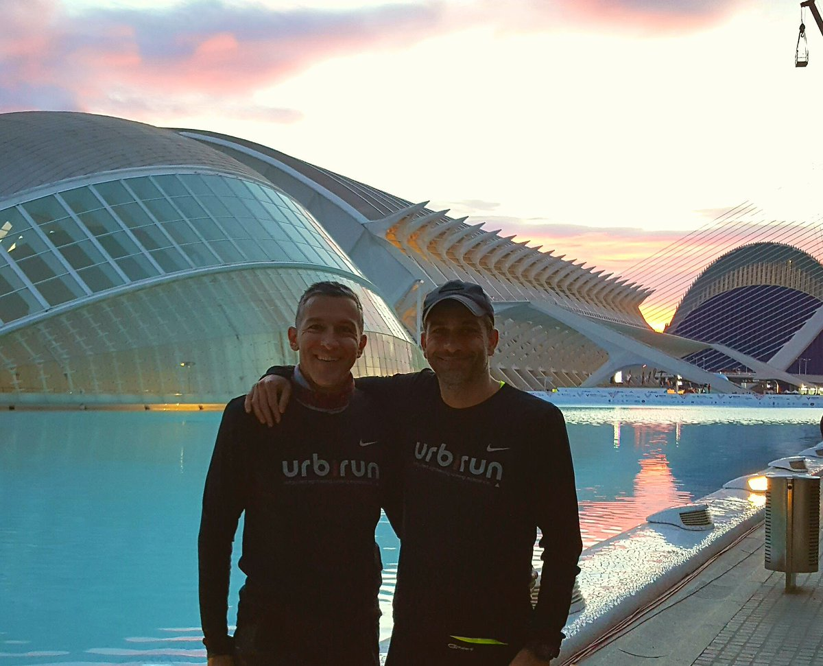 1 year ago w. brother, few mins before start @maratonvalencia 2016. incredible memories, crowd and a magic blue carpet #valenciaesoro (try our free #runningtour in @visit_valencia) - y a 1 an, à qq mins du dp du #maratonvalencia #running #courseapied #courir #valenciaesoro<br>http://pic.twitter.com/pR2a3Xx7uH