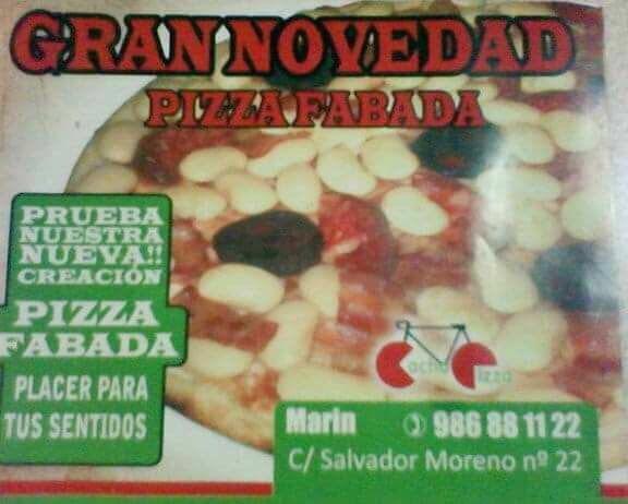 De repente, lo de la piña en la pizza, o...