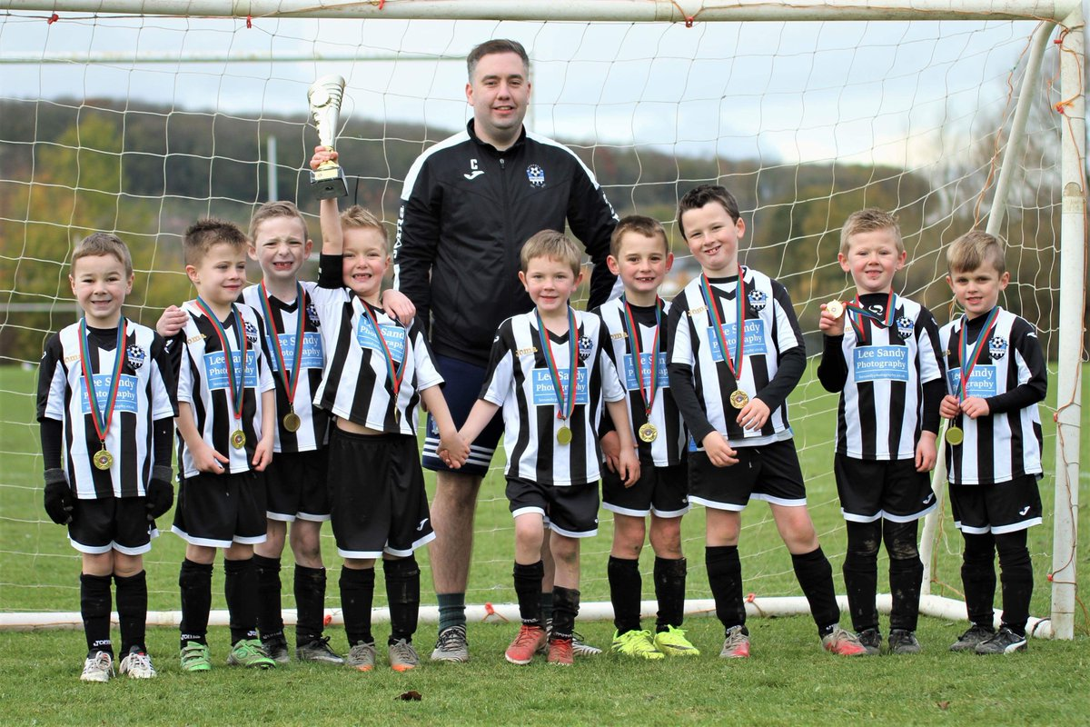Congratulations to our Under 7&#39;s who won the SDFL Champions League Cup today!  Some fantastic football and great effort from every player!  #Champions #Under7&#39;s<br>http://pic.twitter.com/4gLFtz2n1J
