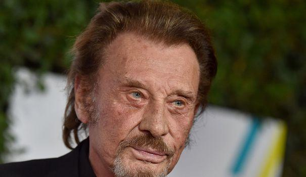 Soigné pour un cancer du poumon, Johnny Hallyday est sorti de la clinique https://t.co/S5ryd2NnQX