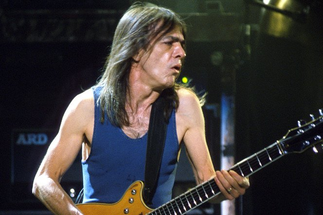 JUST IN: Malcolm Young, the Australian guitarist and AC/DC co-founder, is dead at 64 https://t.co/Za2jEO32Wo