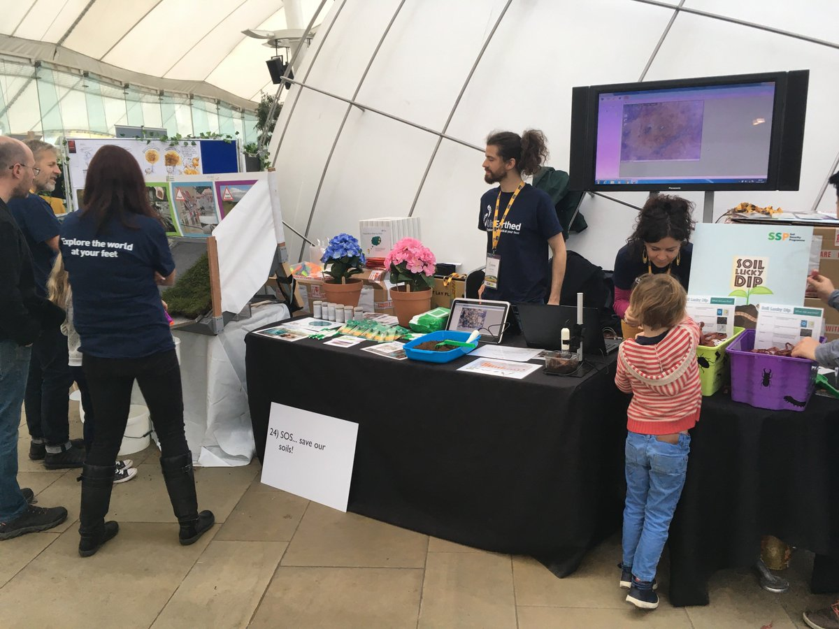 Busy morning so far at @ourdynamicearth @NERCscience #UnEarthed2017.  Lots of people seeing #soil wildlife up close on the soil #safari.<br>http://pic.twitter.com/q47mFrP524