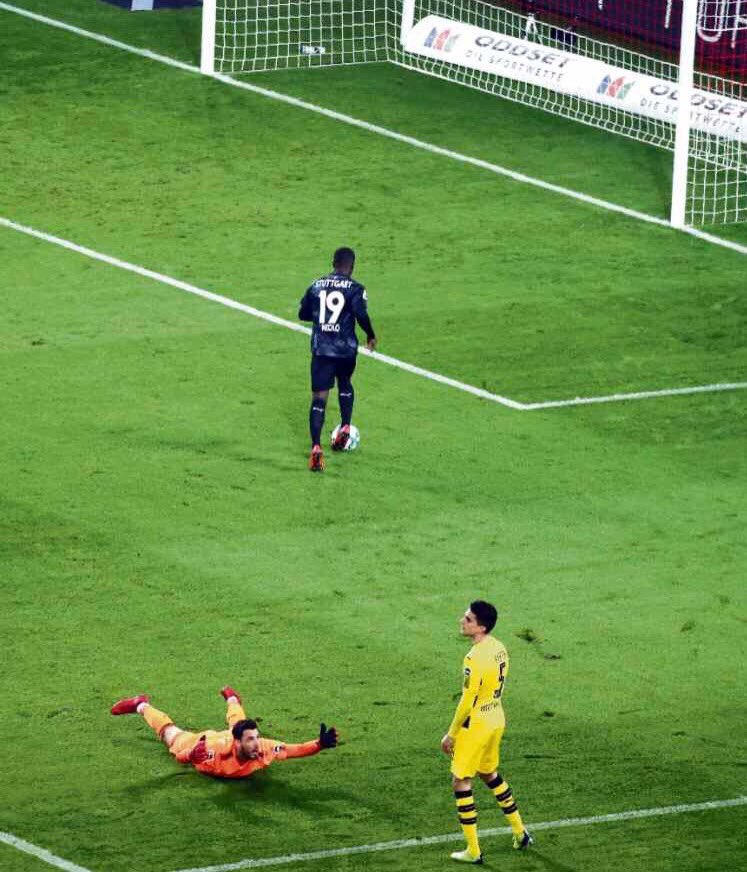 sports picture of the year. #bvb <br>http://pic.twitter.com/fGBXtNB9oo