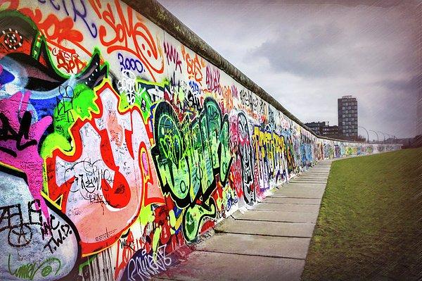 RT @CarolJapp: New artwork for sale! - 'Berlin Wall ' - https://t.co/mqEe8RWPRj @fineartamerica https://t.co/akMs5DKyeZ
