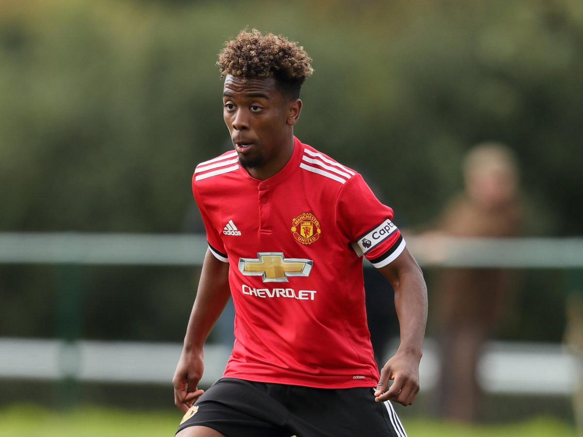 U18s: FT - Blackburn Rovers 1 #MUFC 4. A great away win - Angel Gomes's double, Hayden Carter's own goal and D'Mani Bughail-Mellor's header put the young Reds 4-0 up before Kyle Connell pulled one back for Rovers.
