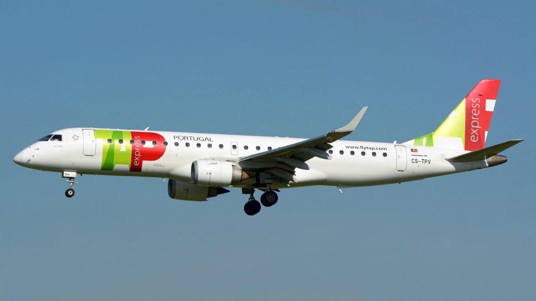 🇫🇷 Nice : le pilote d'un avion de ligne portugais commence à décoller sur une voie de circulation (taxi way) la tour de contrôle l'arrête (France 3) https://t.co/BFHBnb9Exl