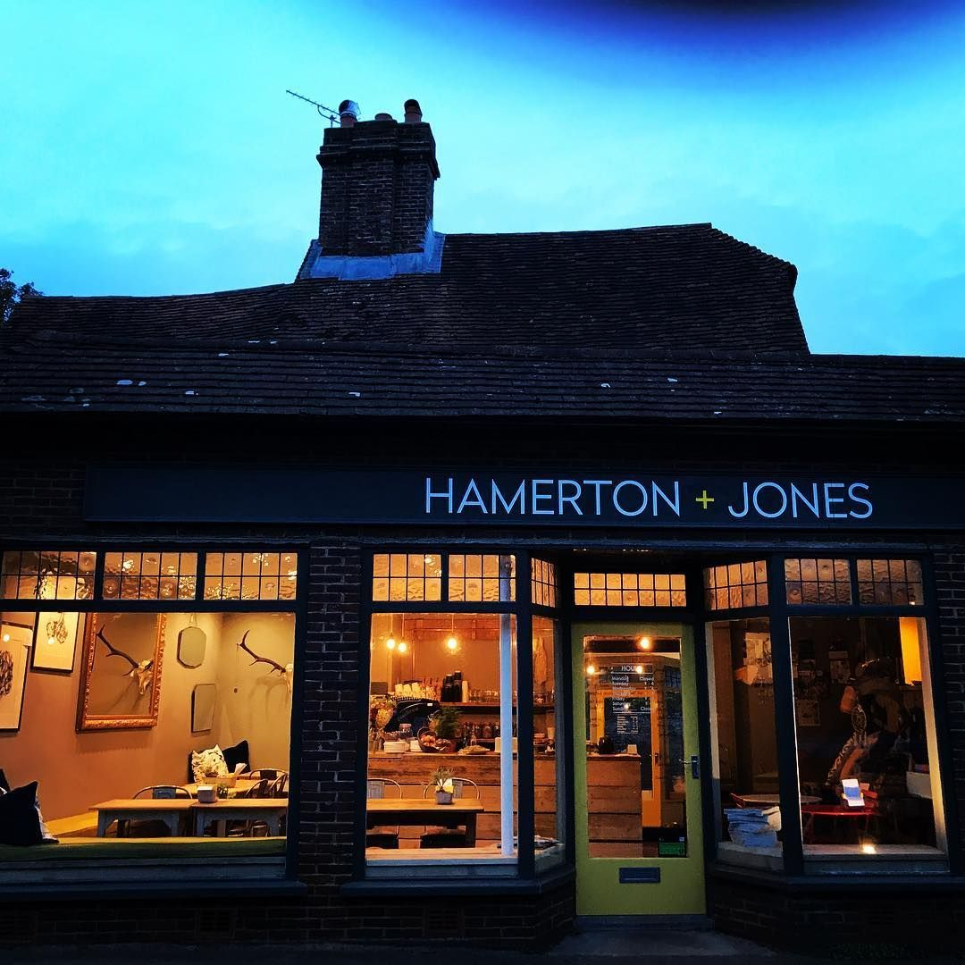 Hamerton+Jones looking inviting this evening for our gorgeous future mummies and daddies in The One In The Oven Club.  H+J is available for special affairs and get togethers always...could be perfect for your holiday soirée ! #goudhurst #eventspace <br>http://pic.twitter.com/Y2xbMbVmat