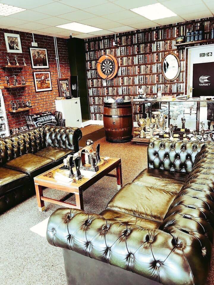 4 of our favourite pictures of our shop to show why we have many people travelling for miles to come &amp; visit us #chester #bespokeservice<br>http://pic.twitter.com/2ofK6cxtsX