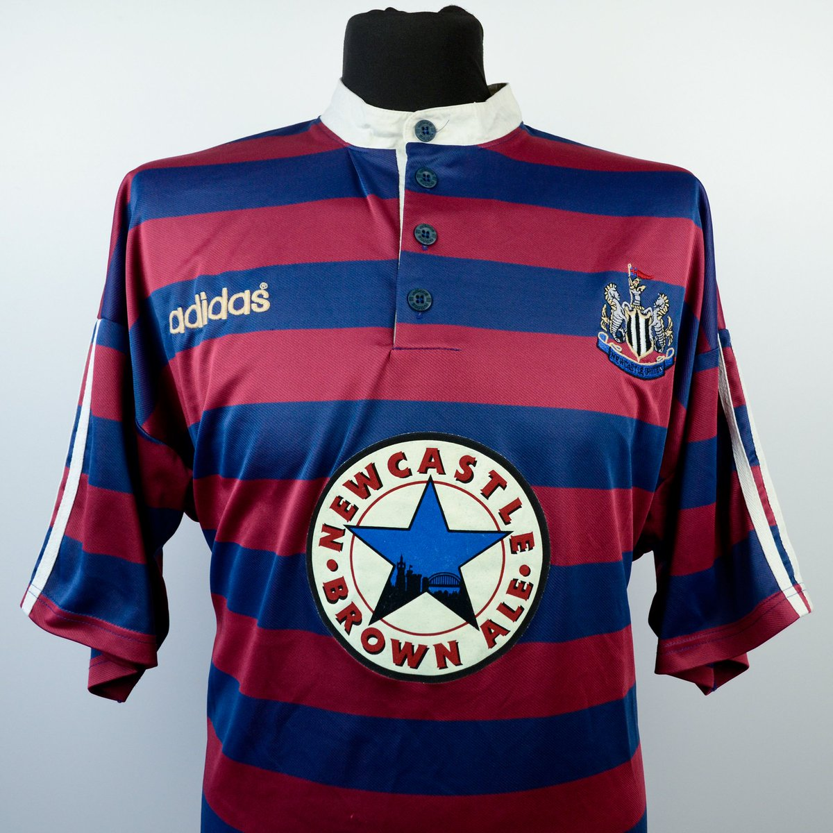 eb5d1c200fa Classic Football Shirts on Twitter