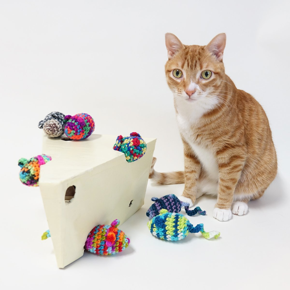 Cole Marmalade On Twitter Jess Makes Crocheted Cat Toys Filled With Homegrown Catnip And Butt Magnets Check Out Her Etsy Store Https Etsycom Shop Accessorati