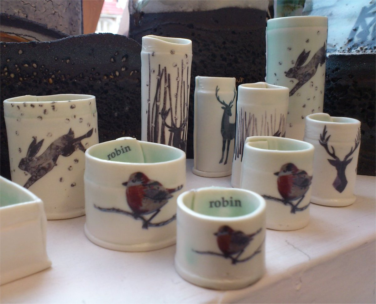 Hares, Robins and Deer - new in the gallery - delightful tiny ceramic pots by @lisa_tann #christmasgifts