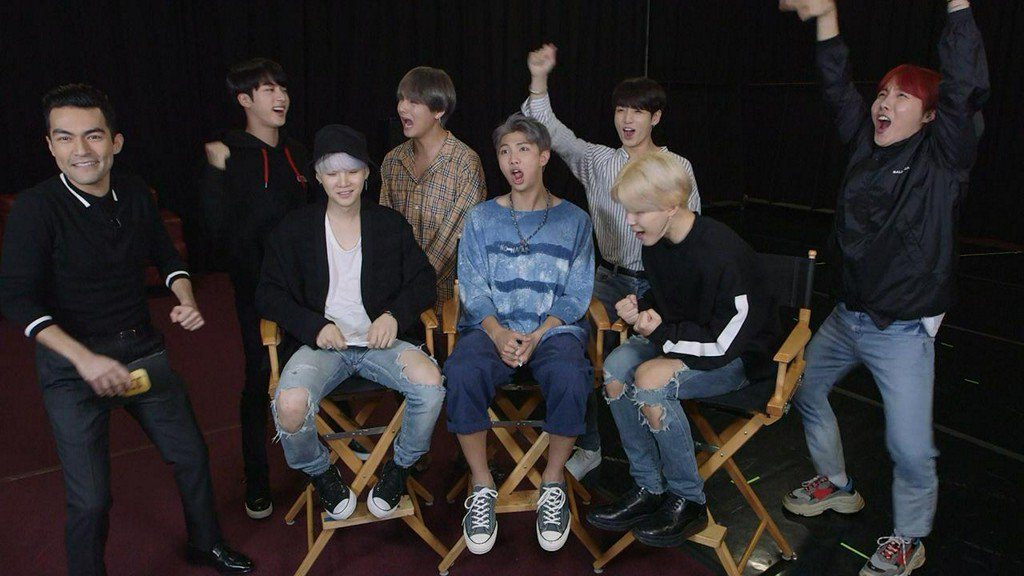 .@BTS_twt opens up about the love they have for their fans -- as well as their own love lives! https://t.co/2dleUSp0Lo