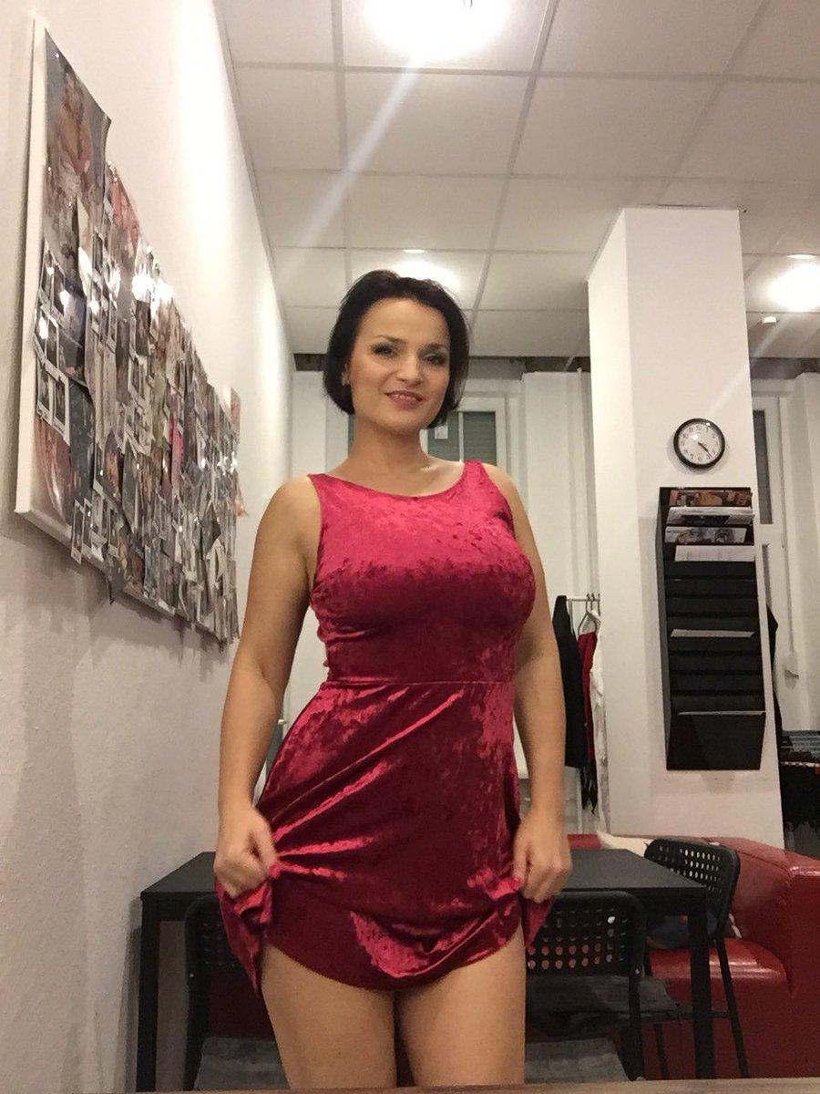 Maria Mia on Twitter: Wobei mein neues Kleid ganz süß ist