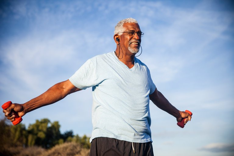 To Maintain #Muscle and Lose #Fat as You #Age, Add Weights  http:// nyti.ms/2zeMJhC  &nbsp;  <br>http://pic.twitter.com/OTFgZ0mD0o