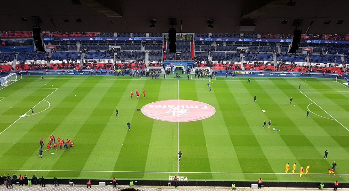 Lets see what £200m gets you these days #PSGFCN #ParcDesPrinces #NeymarTime<br>http://pic.twitter.com/SIn1R074PX
