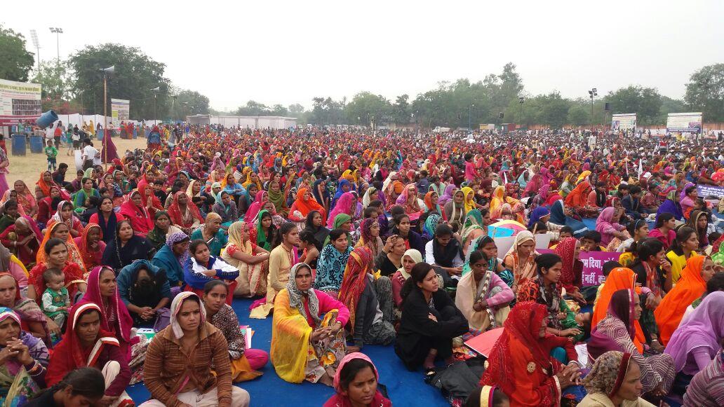 RT @radhadasi2013: @SatlokChannel परमात्मा की रैली में संत रामपाल जी महाराज जी के शिष्य ने बढ़चढ़कर भाग लिया https://t.co/Vwb03hHYX6