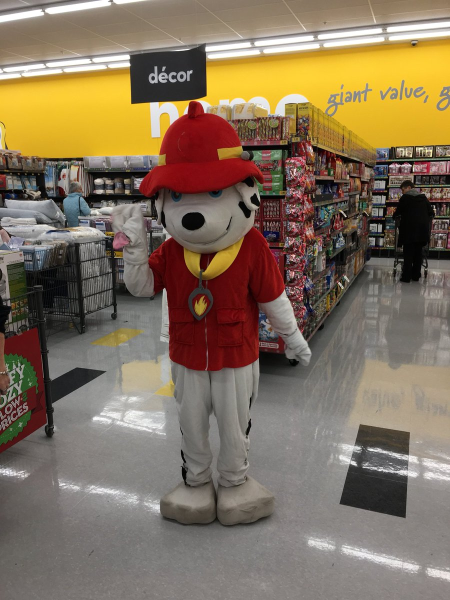 Our friends from the Paw Patrol are here at GT #OwenSound ! Come visit them in store from 1-4pm! <br>http://pic.twitter.com/SL8w13sXLI
