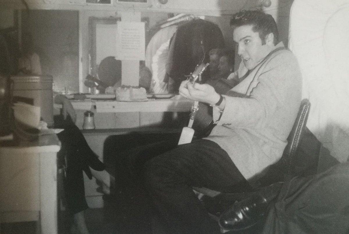 #Elvis history: Nov 56 Las Vegas with Alis Lesley <br>http://pic.twitter.com/UaEmAIeSVD