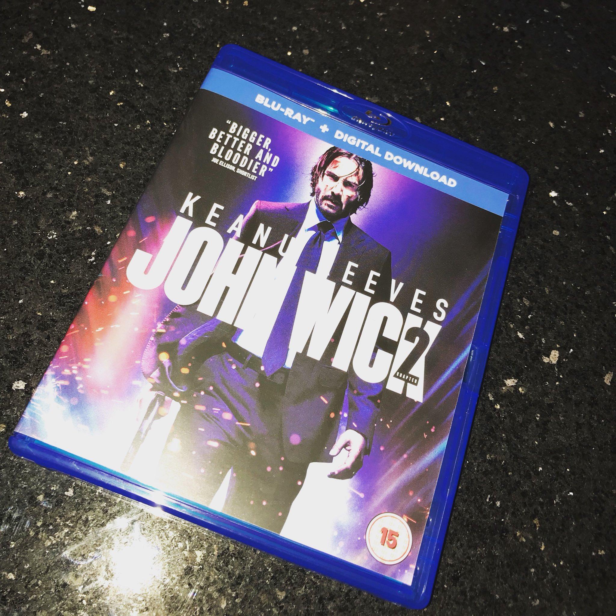 Tonight's entertainment #johnwick2 https://t.co/glhx1FOwSM