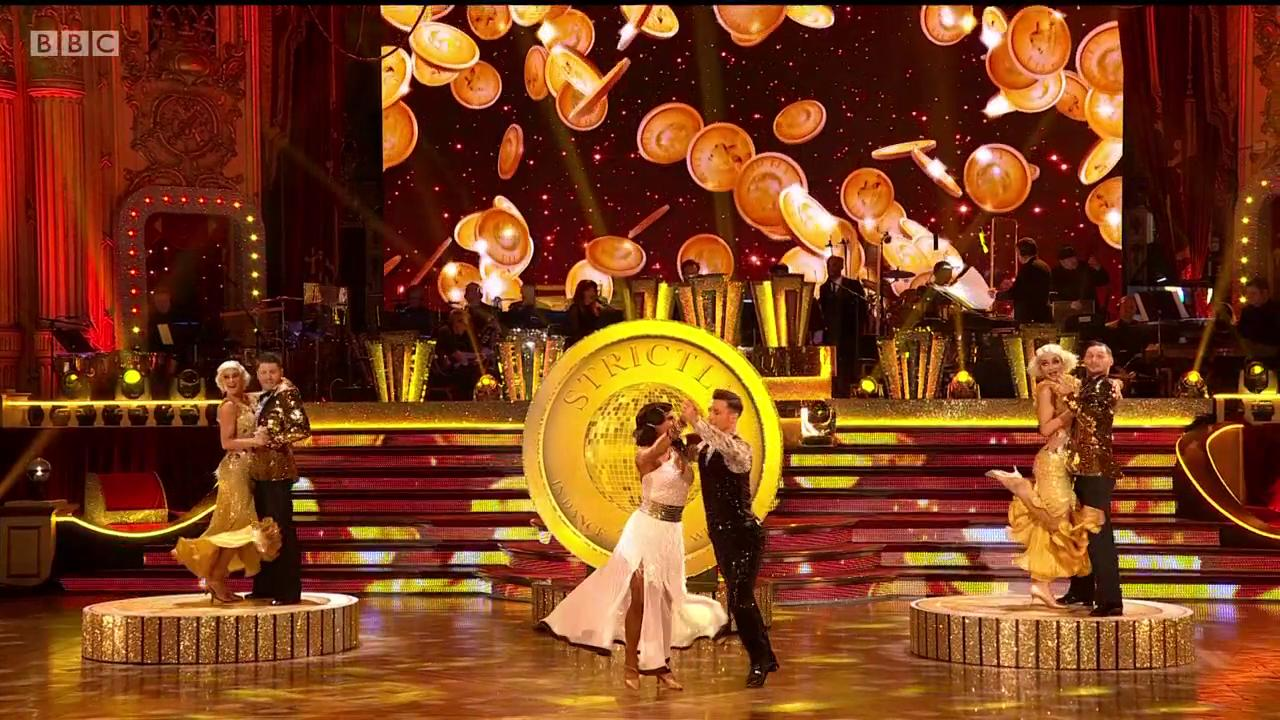 They're in the money!💰 @alexandramusic and @gorkamarquez1 look like a million dollars out there ✨ #Strictly https://t.co/mqqF4G7QCq