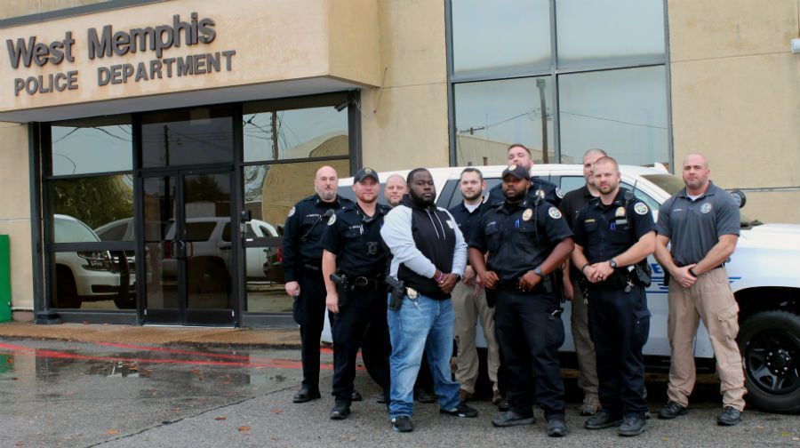 Officers participate in 'No Shave November' for charity #wmc5 >>https://t.co/Y1TU8FaIRM
