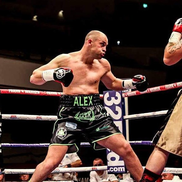 Alex Dickinson Gets Decision Win on Frampton Card in Belfast https://t.co/fYAPcTUF8l #boxing