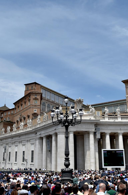 Abus sexuels dans une école à Rome : le Vatican ouvre une enquête https://t.co/3CxJhjxctq