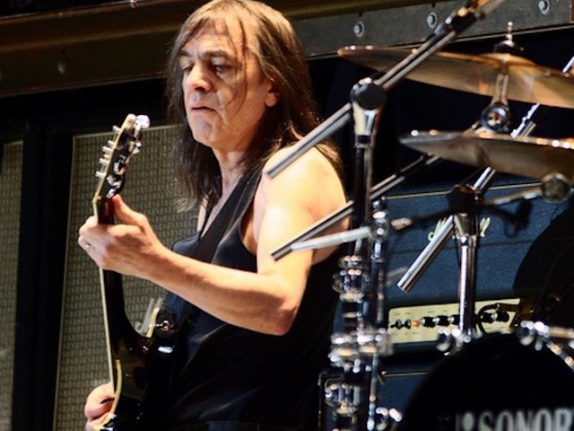 AC/DC co-founder Malcolm Young dies at 64 https://t.co/Obk18QthUF #abc15