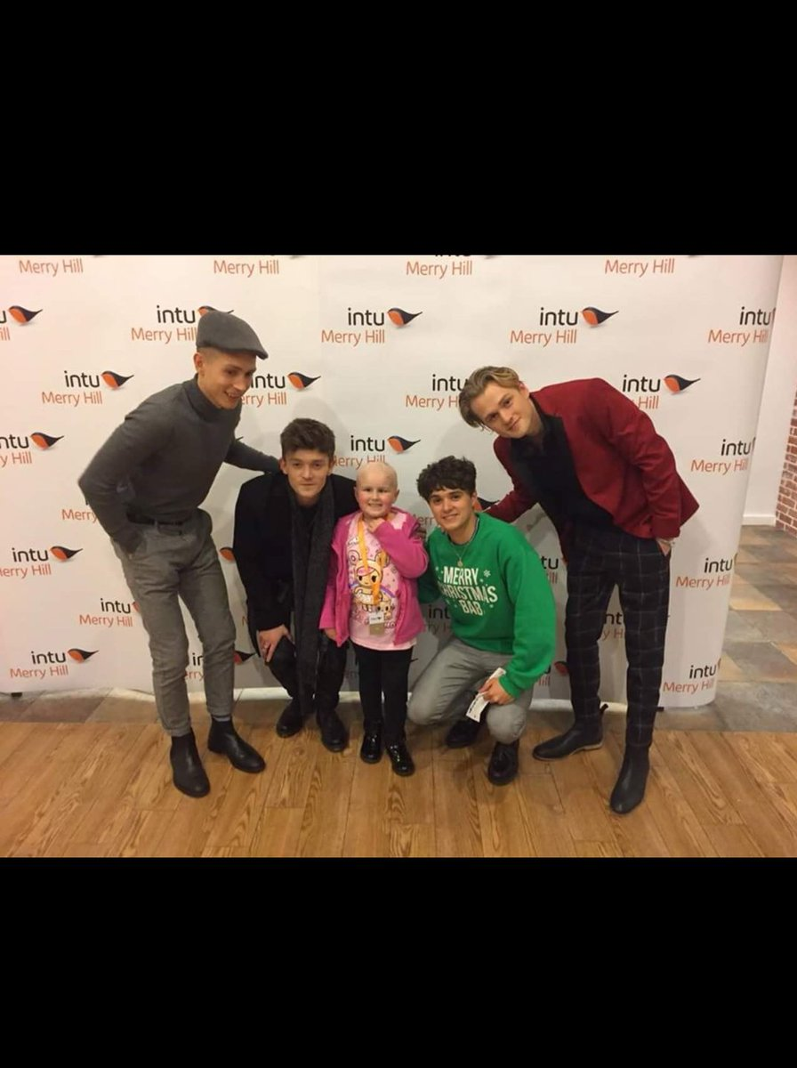 So proud of this beautiful #PRINCESS such a strong little girl she got to meet one of her favourite bands #loveher #teamtilly  #myfirstTweet #cancersucks #thevampz @TheVampsband <br>http://pic.twitter.com/AXTMQstHPp