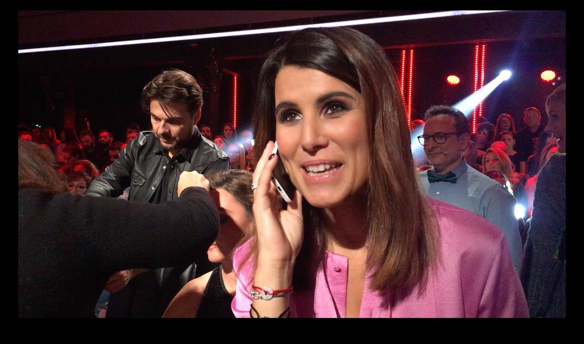#DALS Durant la coupure pub, @KarineFerri a téléphoné à Véronique, qui a remporté le jeu DALS ce soir !