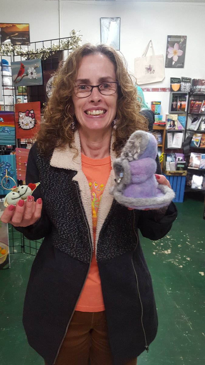 Happy #customer from last night with #needlefelted #ornament and #crone by @Seeds2Inspire, #ladybug #headbands by @FunwithPretend, and #pawprint #pencil toppers by #MersObsessions! #handmade #artisan #socal #holidayshopping #pipeandthimble #indiebookstore #doingindiebetter<br>http://pic.twitter.com/9mKSGjpG7q