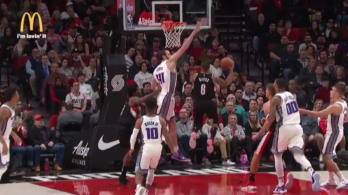Shabazz Napier makes it look easy! #RipCity https://t.co/XEZdjwcCpg