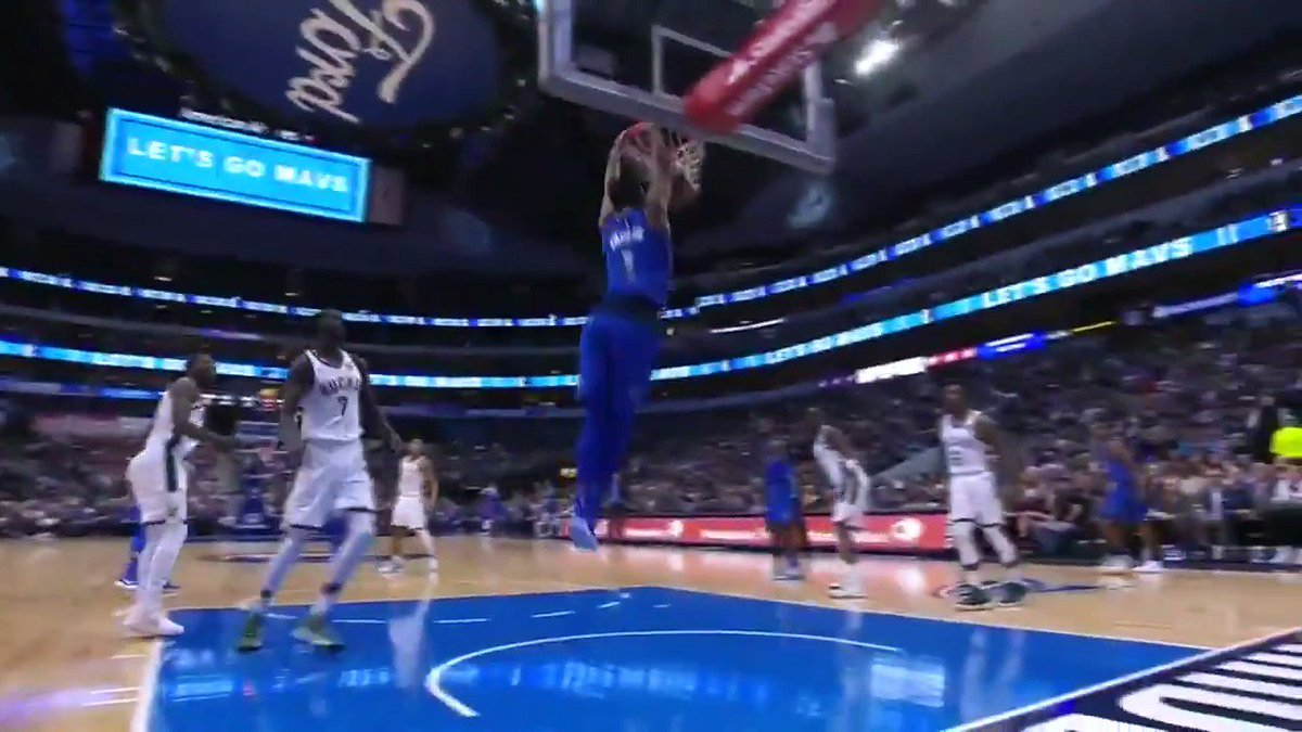 Dennis Smith Jr. throws down the alley-oop! #MFFL https://t.co/K4iL0258mG