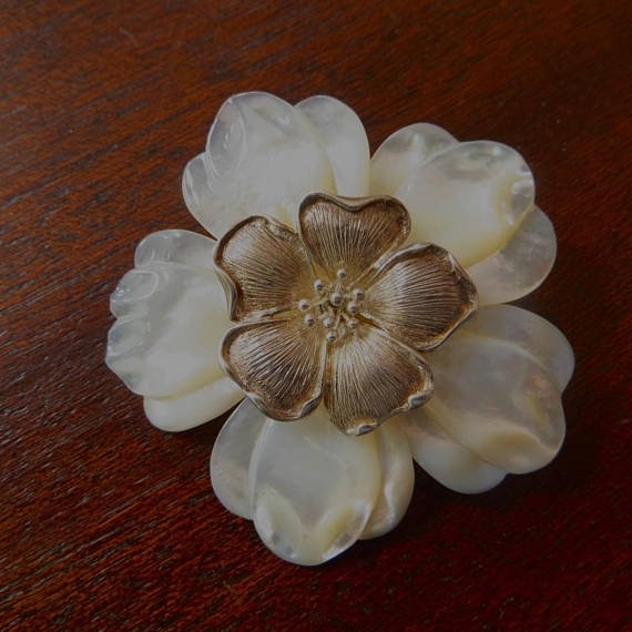 #Vintage Mother of Pearl Floral Brooch, Sterling Silver Flower Pendant, Floral #Jewelry #fashion #home #garden #follow #antiques<br>http://pic.twitter.com/ME57h59e0K