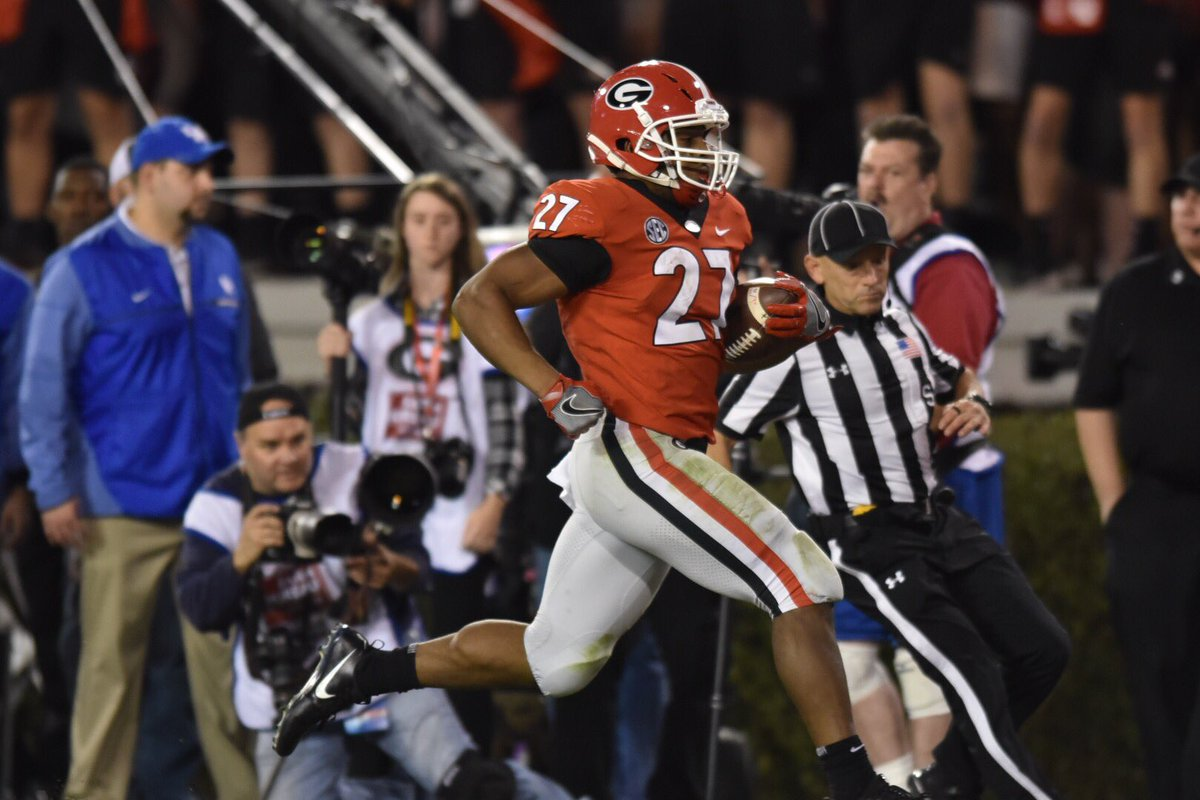 Nick Chubb joins Herschel Walker as the only #UGA running backs to each have three 1000 yard rushing seasons <br>http://pic.twitter.com/6xzL7l0B2K